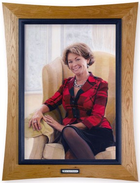 pauline-edgar-portrait-with-frame-flat-copy